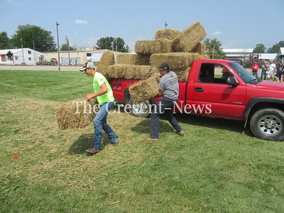 08-19-19 News Defiance County Fair straw loading