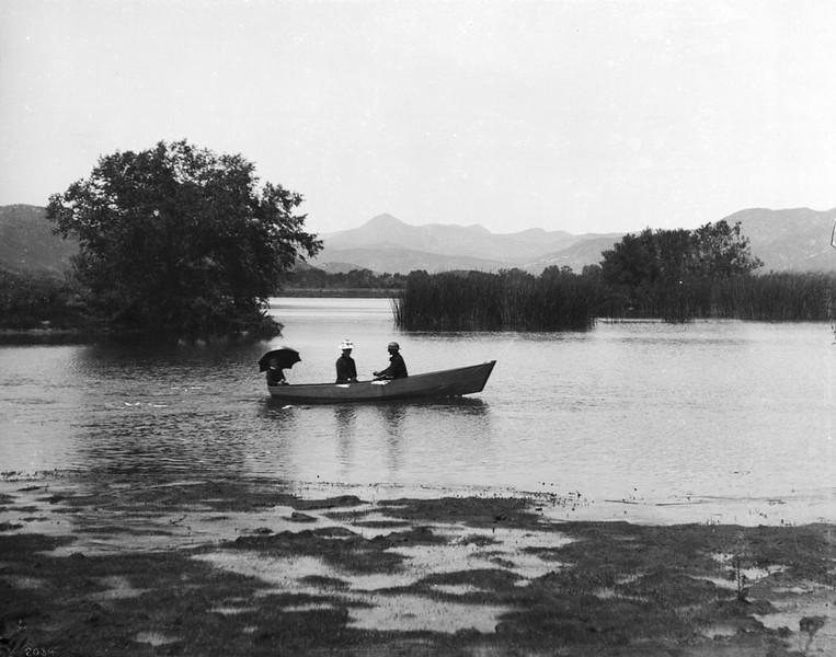 Johnston Lake in Highland Park