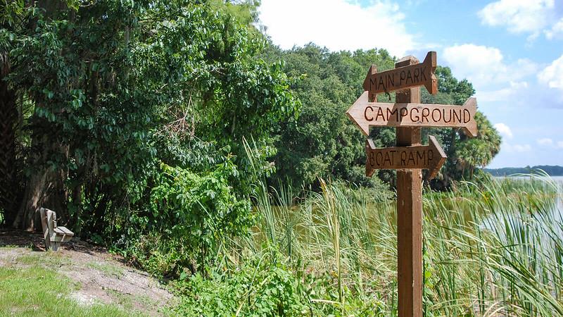 Directional sign along Lake Beauclair