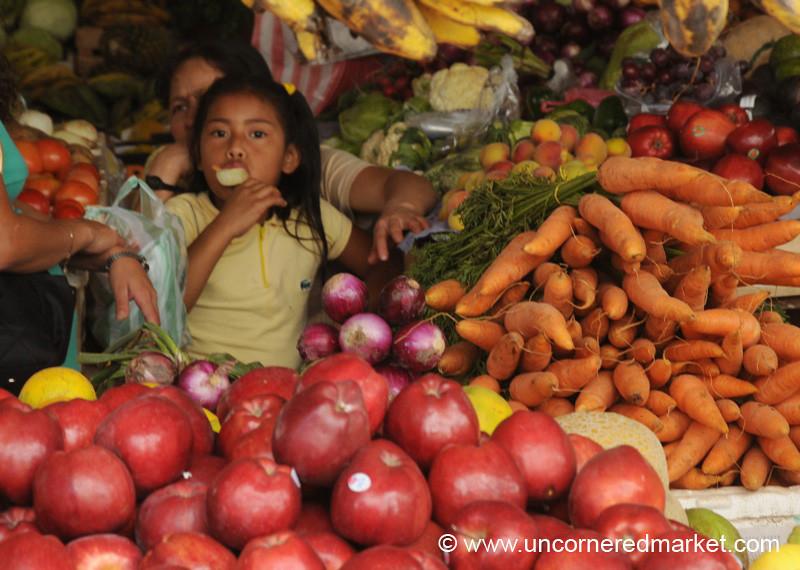 Apples and Carrots at La Esperanza Market, Honduras