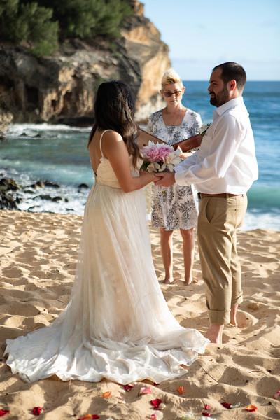 kauai wedding on shipwrecks-16.jpg