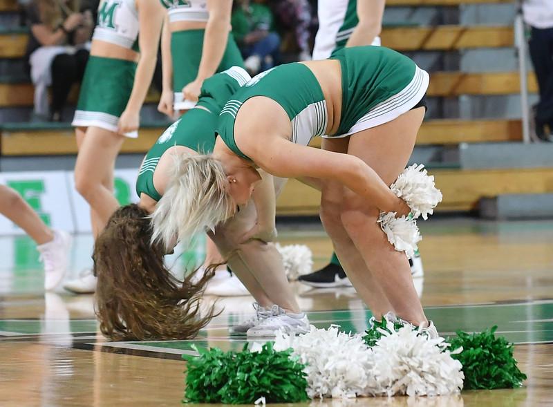 cheerleaders3388.jpg