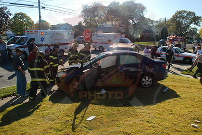 South Farmingdale F.D. MVA Woodward Pkwy. and Michele Ave. 10/26/08