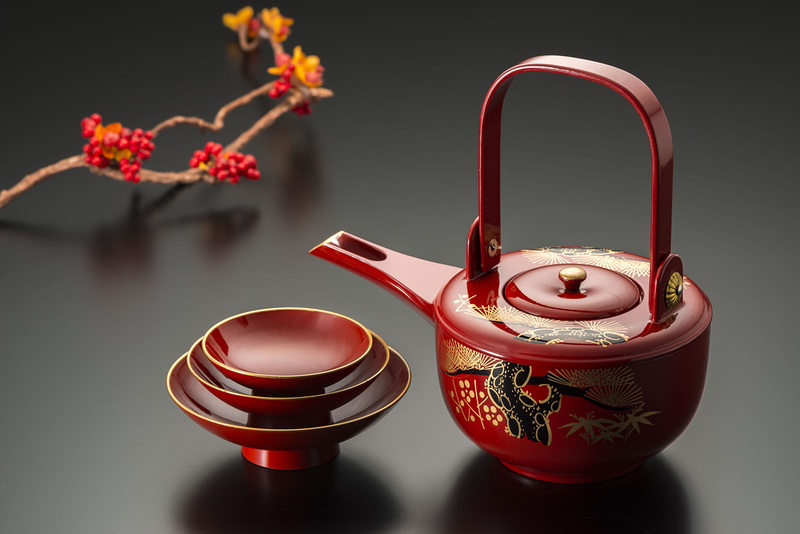 Japanese lacquerware. Editorial credit: Kei Shooting / Shutterstock.com