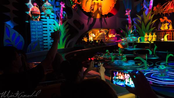 Disneyland Resort, Hong Kong Disneyland, Fantasyland, it's a small world, Small, World