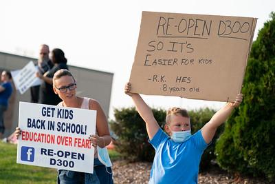 092220 D300 Reopen Schools Rally (RR)
