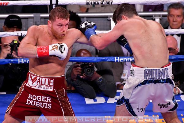Canelo Alvarez Defeats Rocky Fielding by 3rd Round TKO