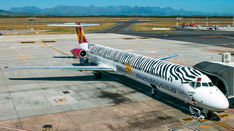 1Time Airlines (Zebra livery) Mc Donnel Douglas MD80 ZS-SKB