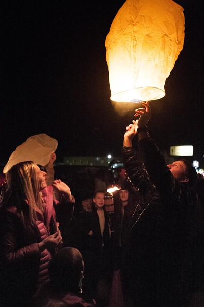 Holly Days Lantern Launch-42.jpg