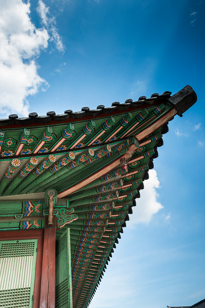 Architectural details of the roof of traditional building, Gyeongbokgung Palace,�Jongno District,�Seoul, South Korea