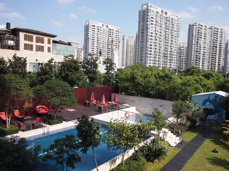 PA144171-pool-garden.JPG