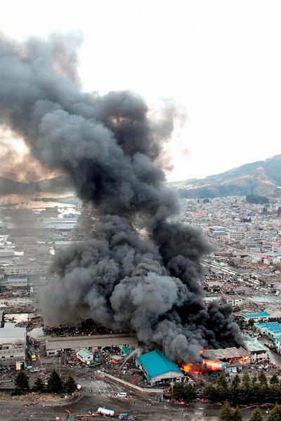 JapanEarthquake2011-320.jpg