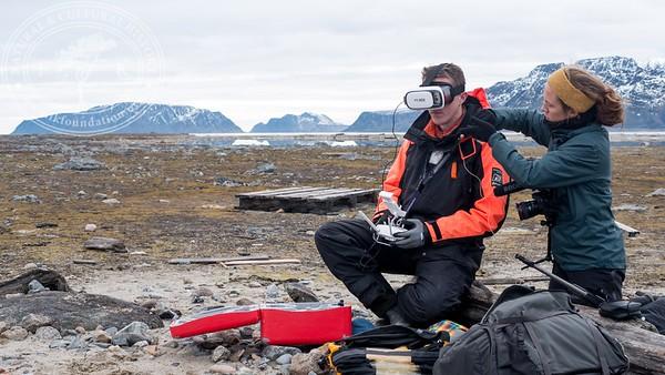 PHOTO: Per Holmlund | Bridge Builder Expeditions Spitsbergen 2016 | http://www.iLinnaeus.org
