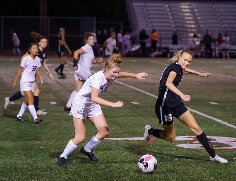 2019-10-24 JV Girls vs Lynnwood 068.jpg