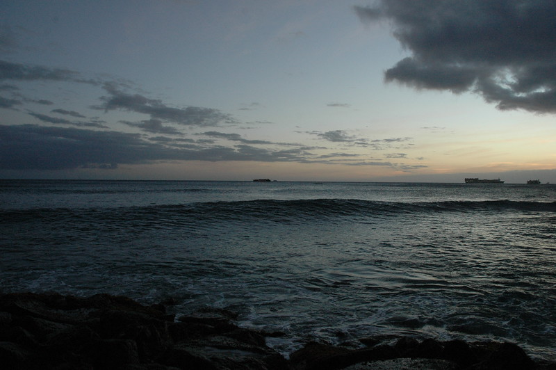 Hawaii - Ala Moana Beach Sunset-138.JPG