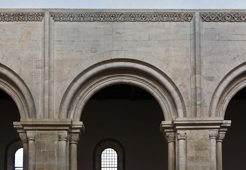 Thalbürgel, ehem. Klosterkirche: südl. Langhauspfeiler mit Hirsauer Rahmen