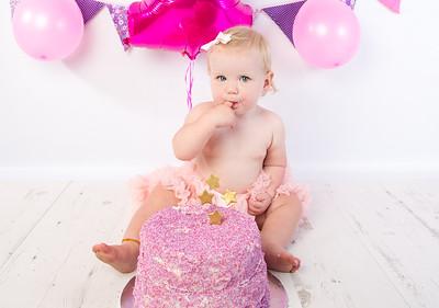 Ellie cake smash