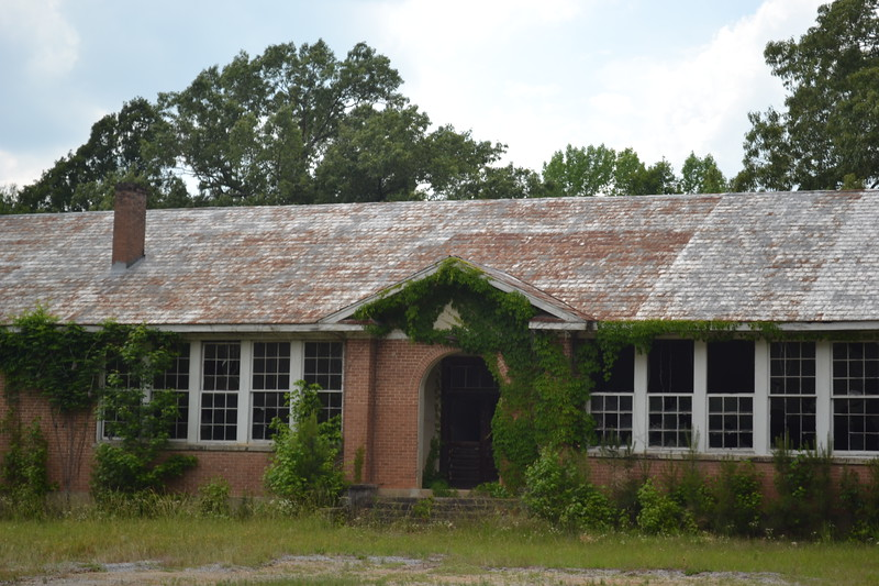 002-abandoned-school-reform-ms_14301169483_o.jpg