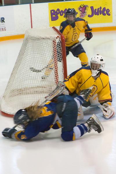 20130310 QWHockeyvsUBC 155.jpg