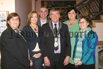 Mayor stands  with the key organisers of event; Ann Dixon, Joanne Morgan, Colm Conway, Ann Rice, Carmel Mohan.07W12N406