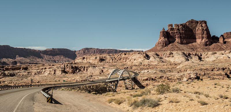 Road between Arches and Bryce