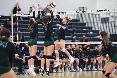2021.09.14 Volleyball: Loudoun Valley @ Loudoun County