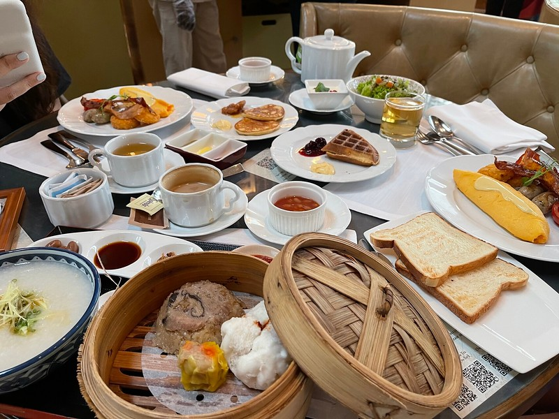 The Ritz-Carlton Breakfast
