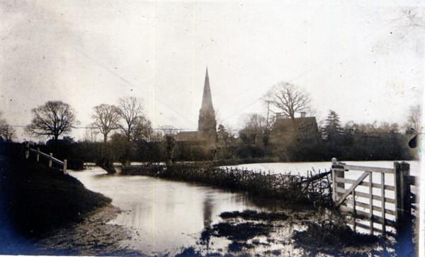 Floods in Spaldwick Provided by Elizabeth Smith