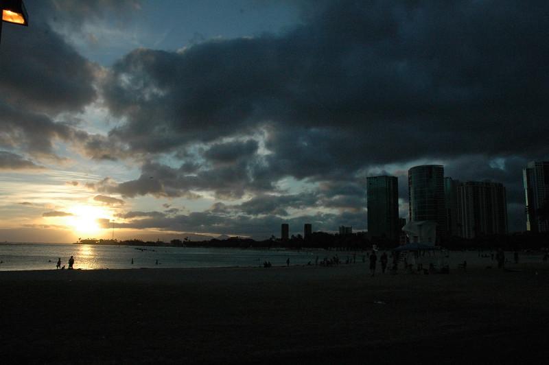 Hawaii - Ala Moana Beach Sunset-12.JPG