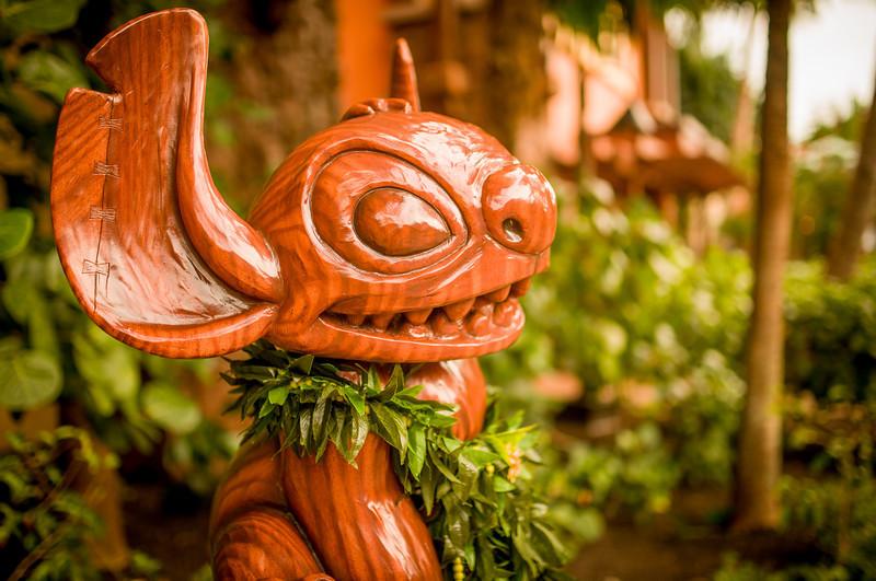 stitch-carving-aulani-disney.jpg