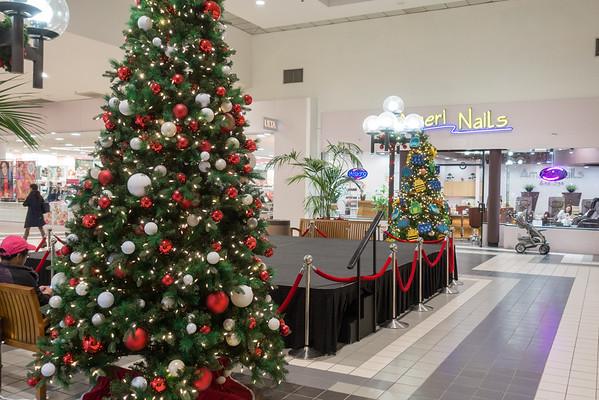 Parkway Plaza Christmas 2016