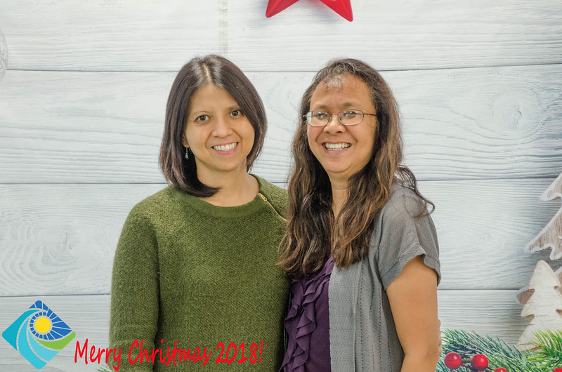 Christmas Photobooth 2018 Sunday-195.jpg