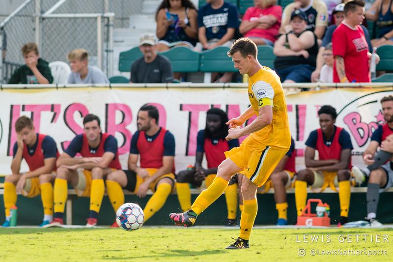 Nashville SC midfielder Michael Reed (17)