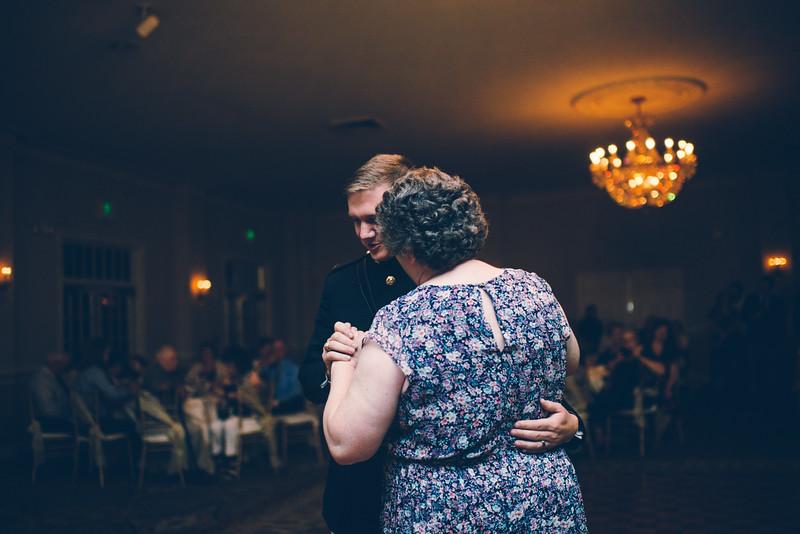 Philadelphia Wedding Photographer - Bernreuther-653.jpg