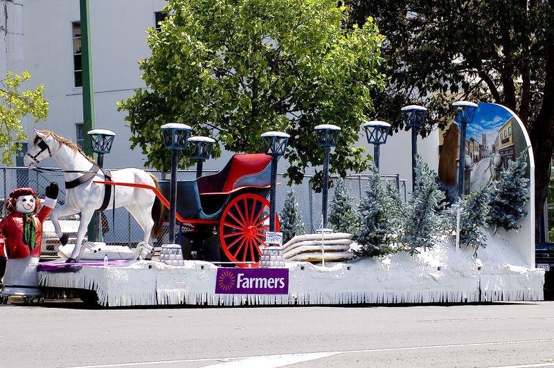 Snow coach Santa Parade Auckland  New Zealand - 27 Nov 2005