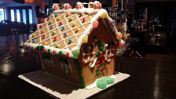 2014-12-11_GingerBreadHouse