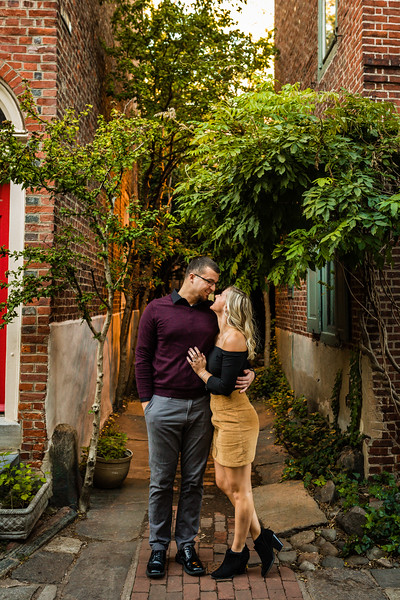 MICHELLE AND NICK - OLD CITY ENGAGEMENT SESSION - 41.jpg