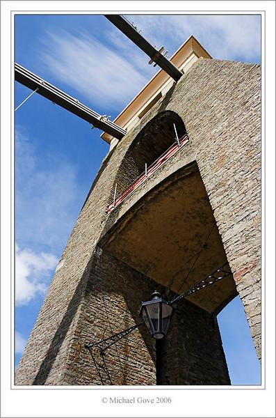 Clifton Bridge Towers Bristol (61731632).jpg