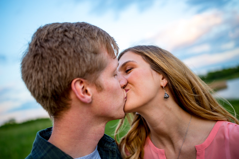 Hallie_and_Griffin_Engagement-7229.jpg
