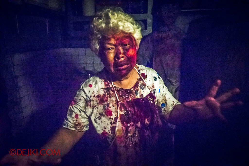 Halloween Horror Nights 6 - Hawker Centre Massacre / Crying aunty