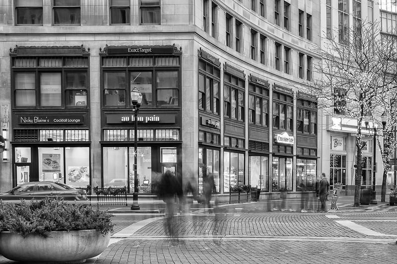 019-Indianapolis-Indiana-Architecture-Black-White-Monochrome.jpg