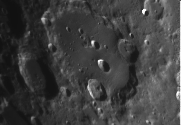 Crater Clavius.jpg