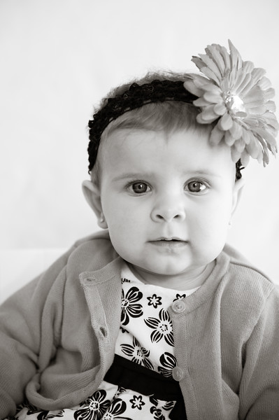 Lily at 6 months-4799.jpg