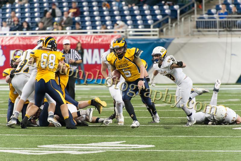 2014 Clarkston Varsity Football vs. Saline 551.jpg