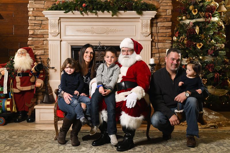 Santa2018.TylerBoye.-253.jpg