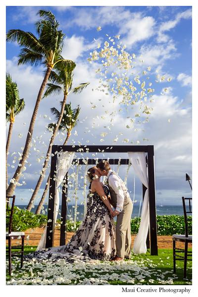 Maui-Creative-Destination-Wedding-0174.jpg
