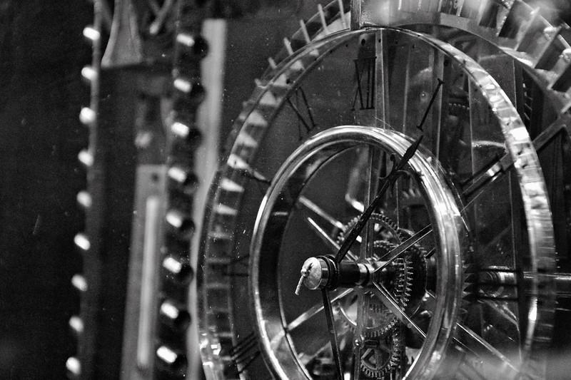 _D726298 Antique Clock Emporium.jpg