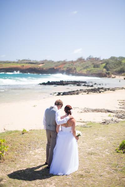 gillin beach kauai wedding-17.jpg