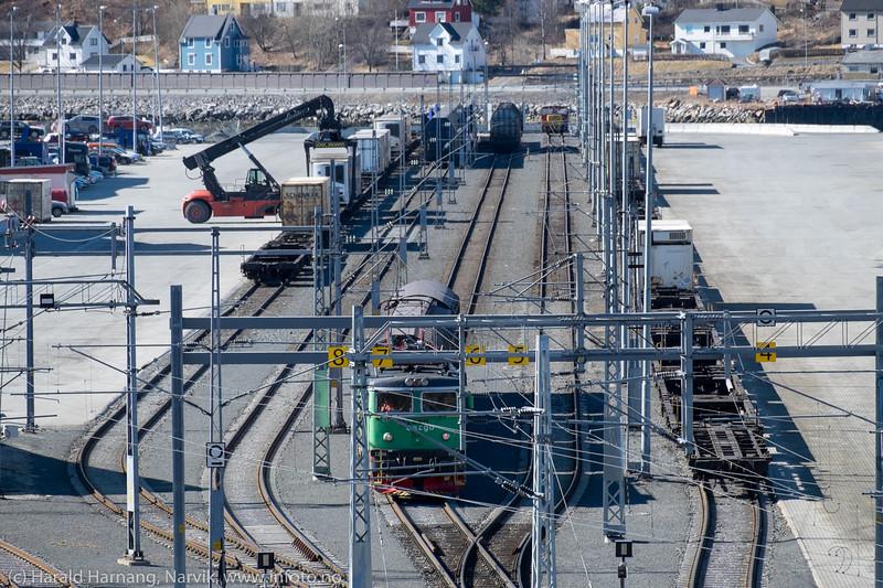 Losse/laste-terminal på Fagernes. 28. april 2016