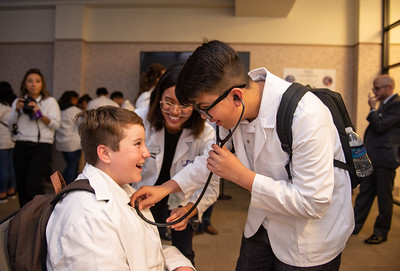 COMP hosts middle school students from the Kaiser Permanente Hippocrates Circle